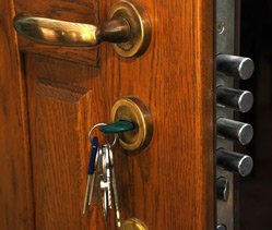 Town Center Locksmith Shop Redwood City, CA 650-946-3219